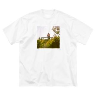 絵に描いたようなきみ Big silhouette T-shirts