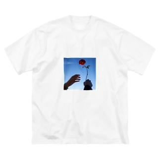 Take Red Big silhouette T-shirts
