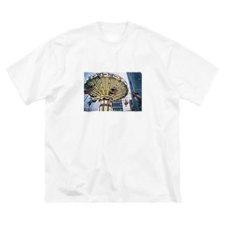 進化した ブランコ(?) Big silhouette T-shirts