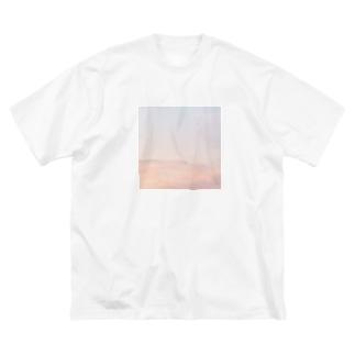 空を纏う Big silhouette T-shirts