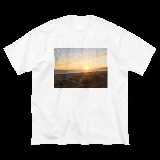 りっちゃんのへや。のゆうやけ Big silhouette T-shirts