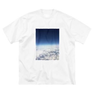 世界 の 果て Big silhouette T-shirts