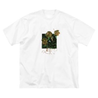christmas rose moth Big silhouette T-shirts