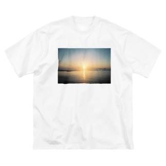 あの日の夢をなぞる Big silhouette T-shirts