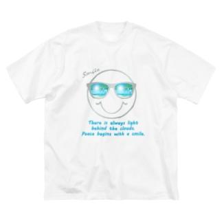 サングラス×スマイル🕶(グレー) Big silhouette T-shirts
