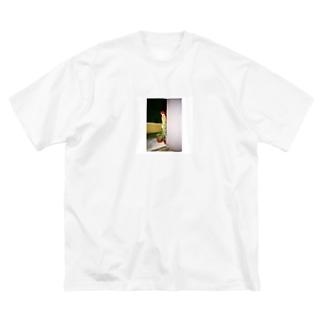 フィリピンのマクドナルド Big silhouette T-shirts