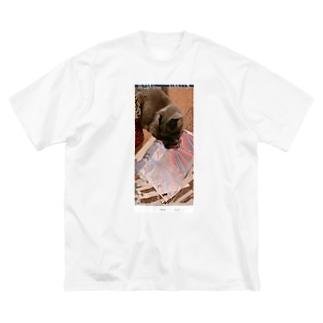 グレッチ Big silhouette T-shirts