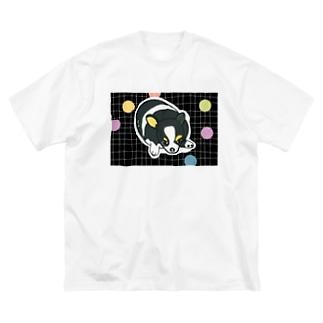 チワワちゃんのリラックス Big silhouette T-shirts