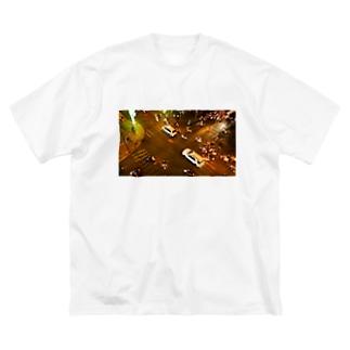 ホーチミンの夜の交差点 Big silhouette T-shirts