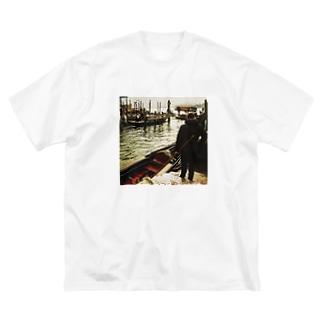 ヴェネツィアのゴンドリエの背中 Big silhouette T-shirts