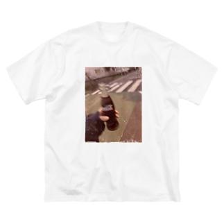 ごっどおぶひまたゃまん🌻の瓶コーラ Big silhouette T-shirts