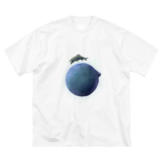 planet of the fish Big silhouette T-shirts