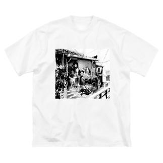 韜晦 Big silhouette T-shirts