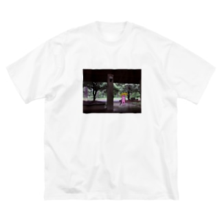 雨の日の猫狸 Big silhouette T-shirts