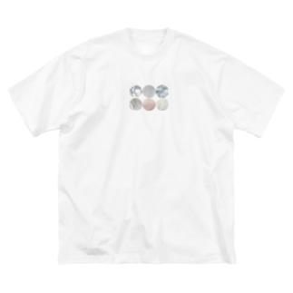 白って何色? Big silhouette T-shirts