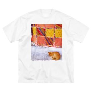 モロッコのお昼寝猫さん Big silhouette T-shirts