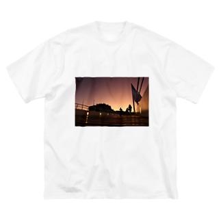 Puerto Madero en Argentina  Big silhouette T-shirts