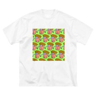魅惑のフライドポテト🍟 GULTY PLEASURE FRENCH FRIES GREEN Big Silhouette T-Shirt
