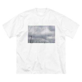 曇り空の日 Big silhouette T-shirts