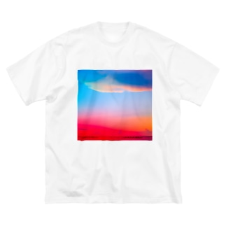 ひのまる弁当グアムの赤富士初夢一富士 Big silhouette T-shirts