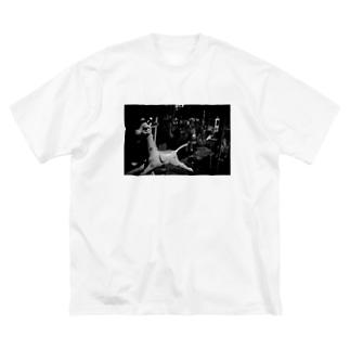 きりん Big silhouette T-shirts