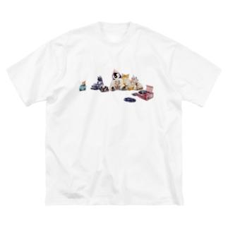 みんなで昼寝 Big silhouette T-shirts