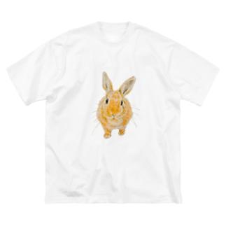 せまりくるうさぎ(むぎ) Big silhouette T-shirts