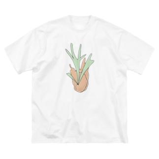 シシドリウンのびーちー Big silhouette T-shirts