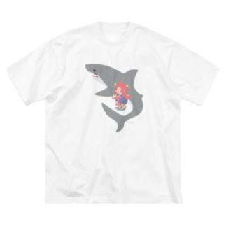 アマビエさんとサメさん/サメ色のサメさん Big silhouette T-shirts