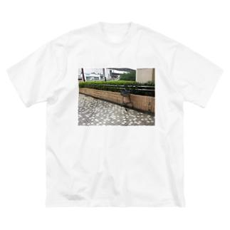 野生のカート Big silhouette T-shirts