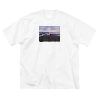 27歳の旅写真の富山県氷見市 Big silhouette T-shirts