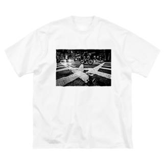 Crossing Big silhouette T-shirts