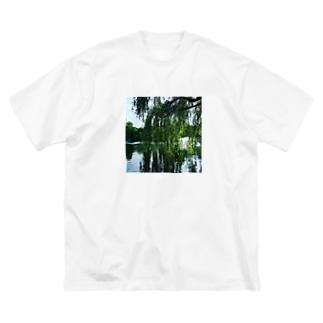 井の頭公園で待ち合わせ。 Big silhouette T-shirts