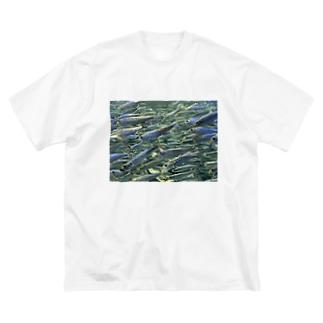 群れ Big silhouette T-shirts