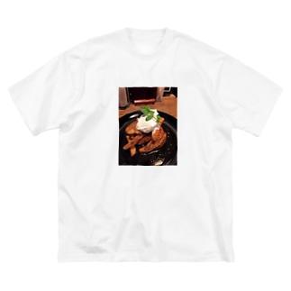 ミナトグリルのお土産屋さんのジャンクポテト Big silhouette T-shirts