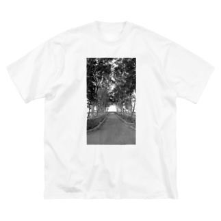 モノトーンの森 Big silhouette T-shirts