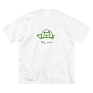 亀ちゃん Big silhouette T-shirts