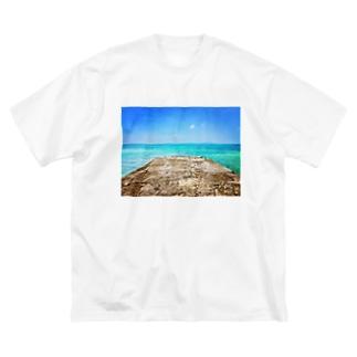 西桟橋とサバニ船 Big silhouette T-shirts