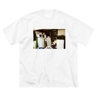 冷蔵庫廃品回収記念品(カラー) Big silhouette T-shirts