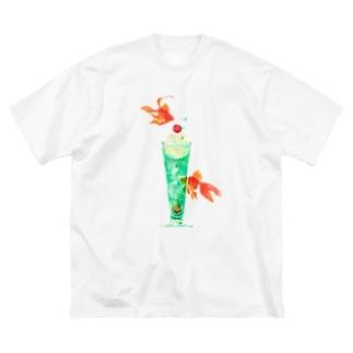 金魚とソーダが夢の泡 Big silhouette T-shirts