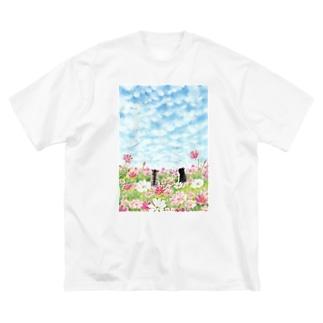 コスモス畑のトロとクロ Big T-shirts