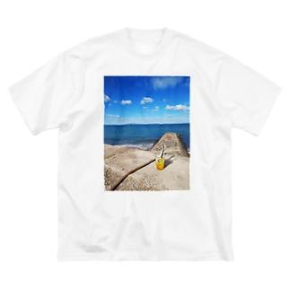 海辺でレモネード🍋 Big silhouette T-shirts