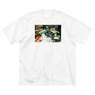 中方向指示電波倶楽部 Big silhouette T-shirts