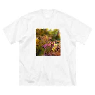 mariaMadeのもみじちゃん Big silhouette T-shirts