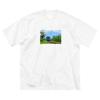 五能線(岩木山) Big silhouette T-shirts
