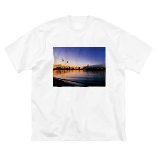 東京の夕方 Big silhouette T-shirts