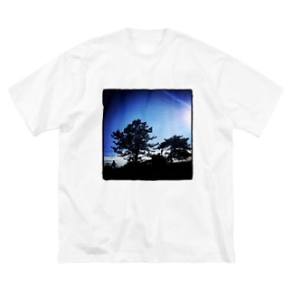onochan from Insta Big silhouette T-shirts