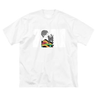 華 Big silhouette T-shirts