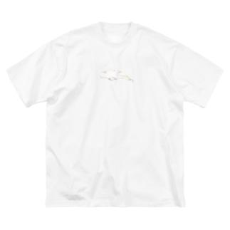 おだやかなベルーガ Big silhouette T-shirts