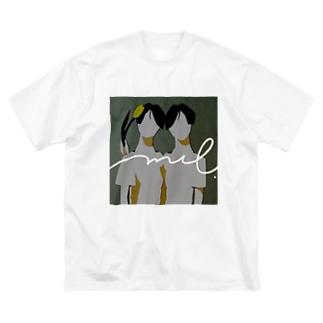 3月のチューリップ Big Silhouette T-Shirt